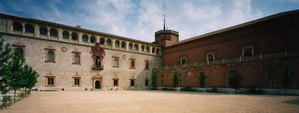 Fachada Renacentista del Ala de Vicarios del Palacio Arzobispal y el Ala Este 2