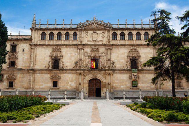 Fachada de la Universidad de Alcalá